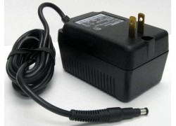 Fluke BC190/808 Line Voltage Adapter / Battery Charger (Universal)-